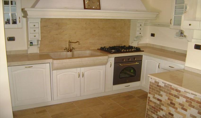 Piani cucine marmo Brescia - Rivestimenti cucine marmo Brescia