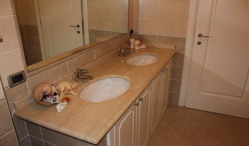 Lavelli marmo Brescia - Top bagno e lavandini marmo Brescia